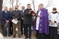 Dušičková pobožnosť na cintoríne