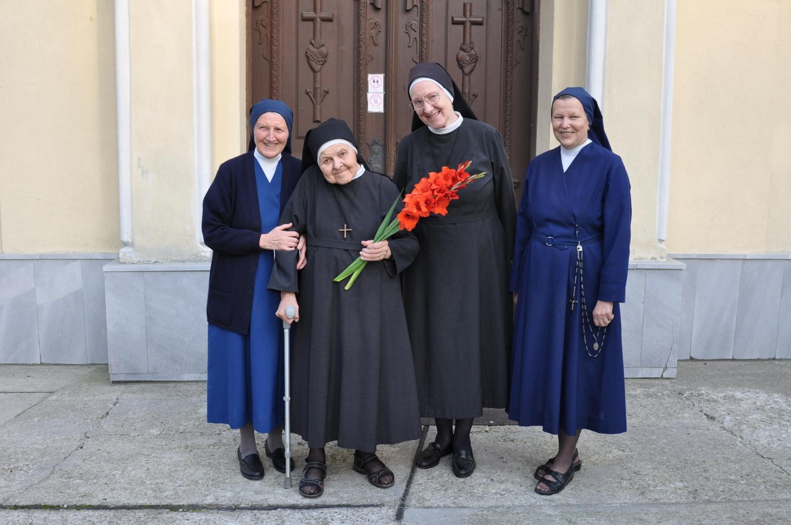 Sestrička Elena Hrabková na návšteve u nás